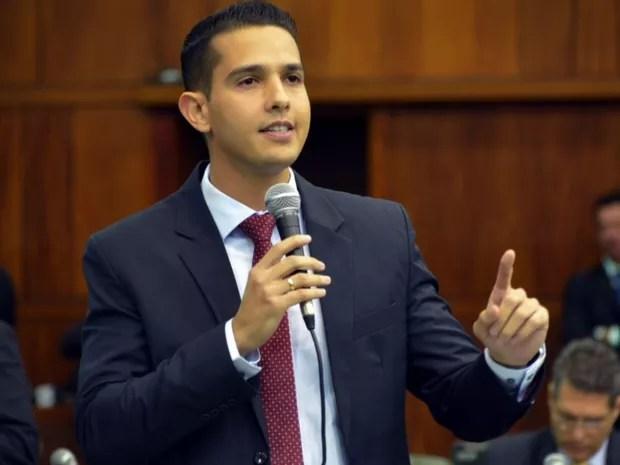 José Antônio (PTB) é o novo candidato à Prefeitura de Itumbiara Goiás (Foto: Reprodução/TV Anhanguera)