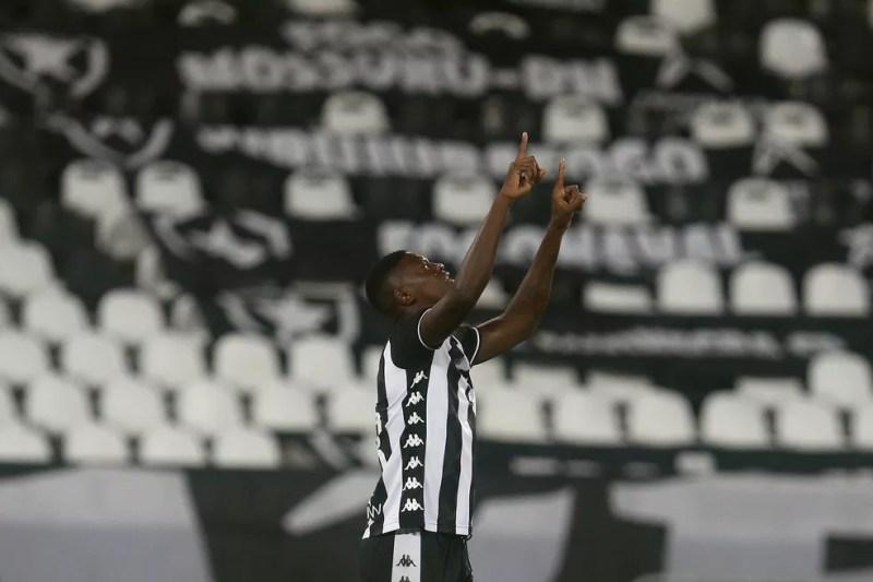 Matheus Babi marcou o primeiro gol com a camisa do Botafogo — Foto: Vitor Silva/Botafogo