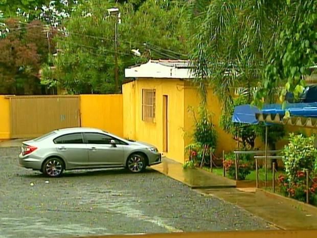 Seis foram baleados e mortos dentro de casa de prostituição em Jaboticabal (Foto: Antônio Luiz/EPTV)