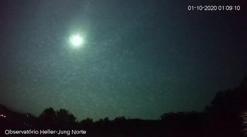 Meteoro teve luminosidade superior que a da Lua — Foto: Reprodução / Observatório Heller & Jung