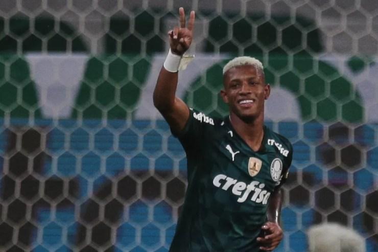 Danilo evitou a derrota do Palmeiras no empate com o Juventude — Foto: Ettore Chiereguini/AGIF