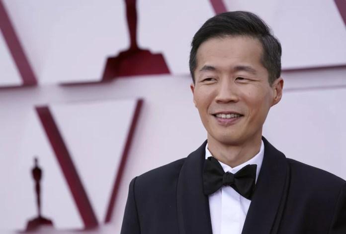 Lee Isaac Chung, diretor de 'Minari', chega à cerimônia do Oscar 2021 neste domingo (25)  — Foto: AP Photo/Chris Pizzello