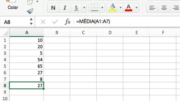 Fórmula para calcular a média (Foto: Reprodução/André Sugai)