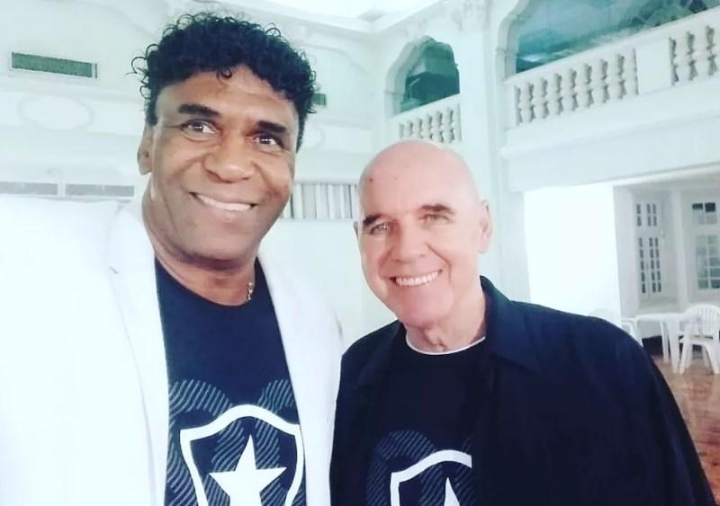 Maurício e Valdir Espinosa na celebração dos 30 anos do título carioca de 1989 em General Severiano — Foto: Divulgação