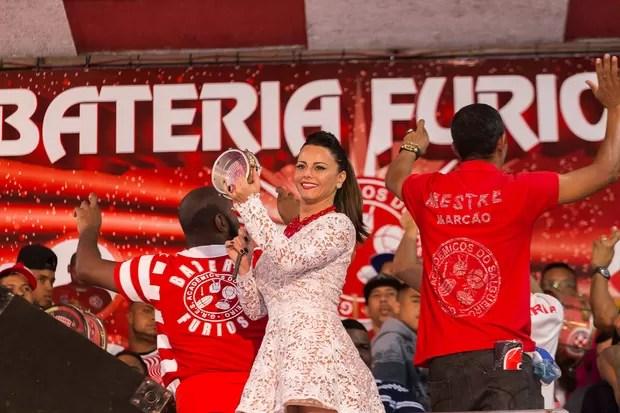 Viviane Araújo usa vestido transparente em ensaio da Salgueiro (Foto: Alex Nunes/Divulgação)