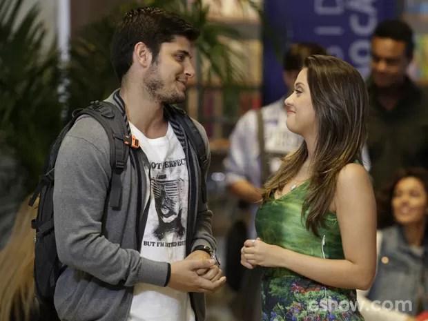 Sem papas na língua, Bárbara manda na lata o que pensa de André (Foto: Fábio Rocha/TV Globo)