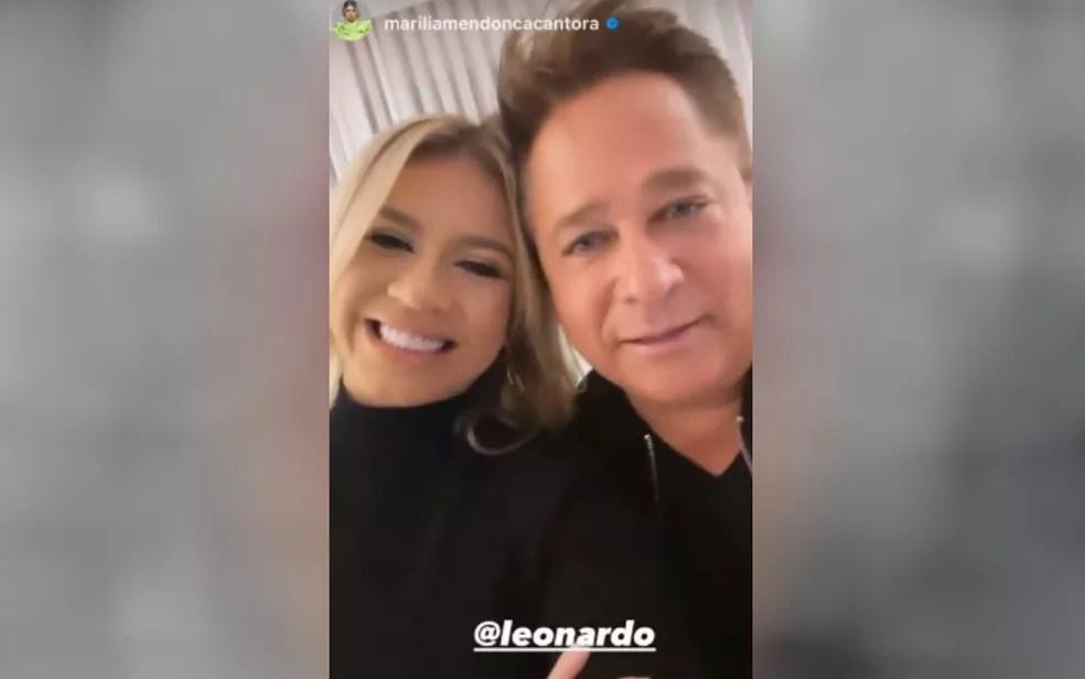 Marília Mendonça e Leonardo postam foto dos bastidores da live — Foto: Reprodução/Instagram