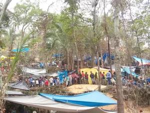 Vários barracas foram armadas em garimpo (Foto: Júlio Cesar Ferreira de Souza/ Arquivo pessoal)