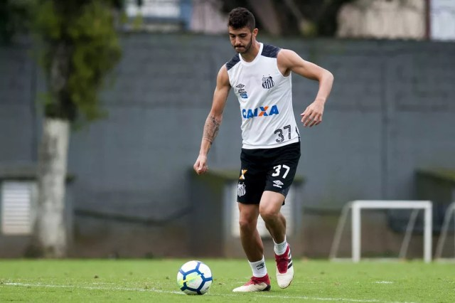 Gustavo Henrique deve ser titular da zaga santista (Foto: Ivan Storti/Santos FC)