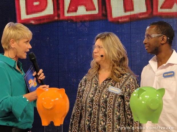Pais lutam pelo prêmio no Meu Baixinho é 10 (Foto: TV Xuxa / TV Globo)