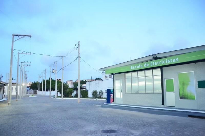 Escola de Eletricistas da Coelba na Bahia — Foto: Divulgação/Coelba