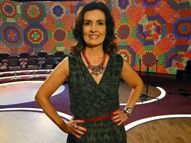Maxicolar de corda vermelha dá destaque ao look (Foto: Encontro com Fátima Bernardes/TV Globo)