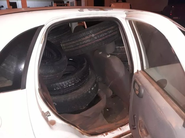 Parte dos veículos e dos pneus roubados da Prefeitura de Foz do Iguaçu foi recuperada (Foto: Guarda Municipal/Divulgação)