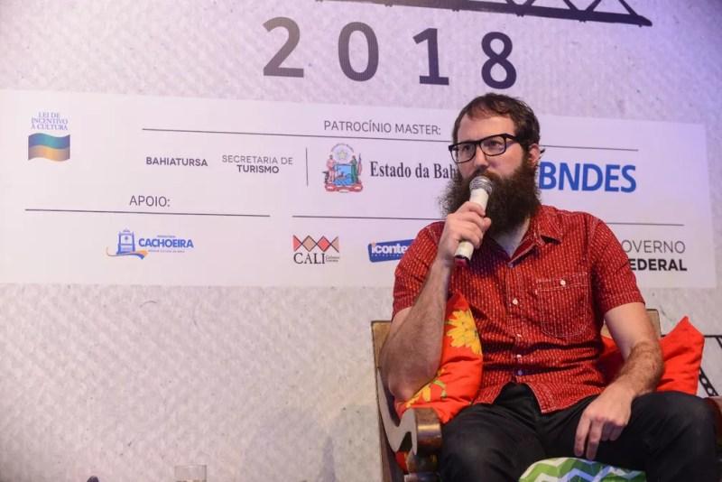 Julián Fuks fala na Flica — Foto: Ricardo Prado/Divulgação