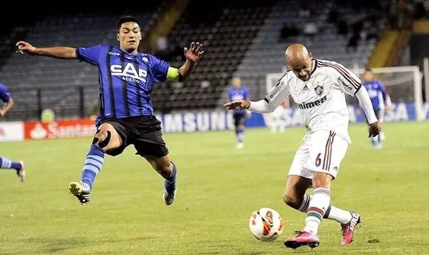 Fluminense e Hupa se enfrentam neste  (Foto: Reuters)