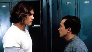 Jerry  Mitchell,  um  pacato  estudante,  acaba  provocando  a  fúria  de  um colega  valentão,  muito  mais  forte  que  ele.  Desafiado  para  um  encontro no  estacionamento  da  escola,  Jerry  tem  que  usar  sua  esperteza  para  não apanhar.