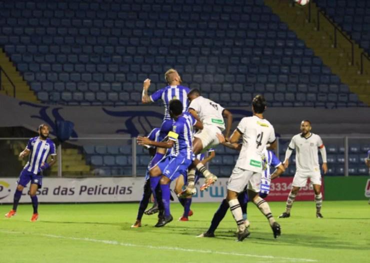 Avaí e Figueirense jogaram na quarta-feira, no último dia antes da paralisação do Campeonato Catarinense — Foto: Patrick Floriani/Figueirense