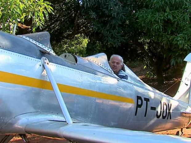 Firechild, de 1943, foi o primeiro avião comprado pelo colecionador  (Foto: Felipe Lazzarotto/EPTV)