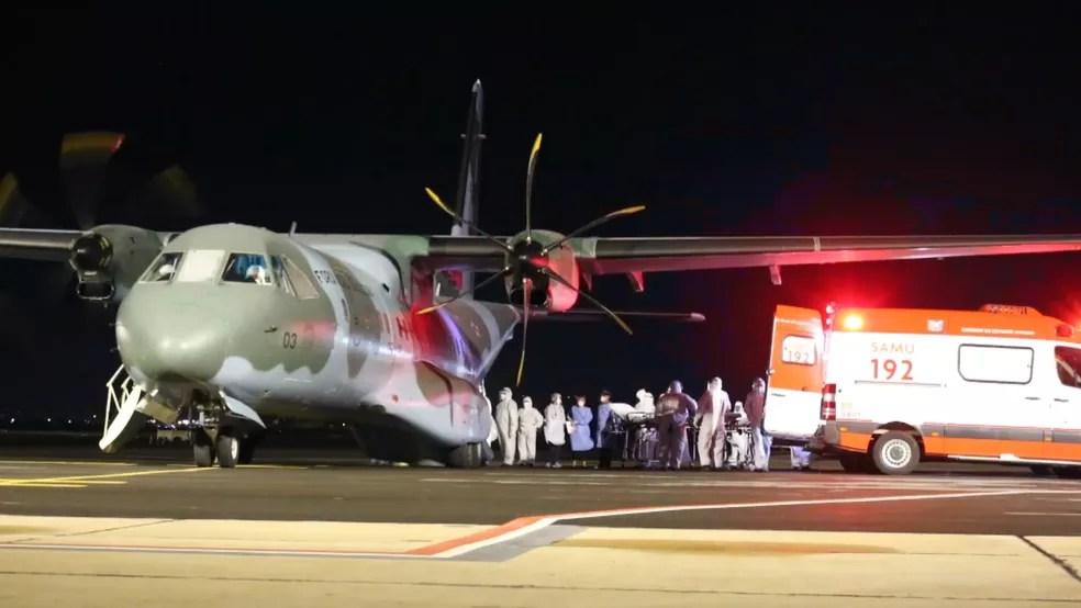 Nove pacientes com Covid vindos de Rondônia chegaram ao RS na madrugada desta quarta — Foto: Divulgação/Governo do RS