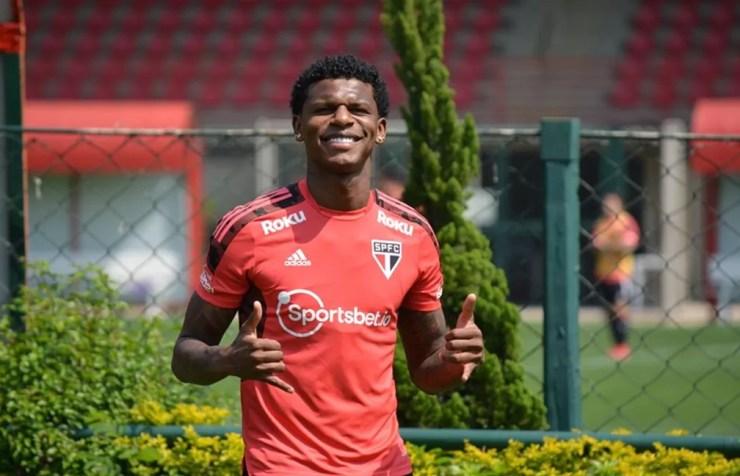 Arboleda rejeitou a proposta de contrato feita pelo São Paulo — Foto: Rubens Chiri / saopaulofc.net