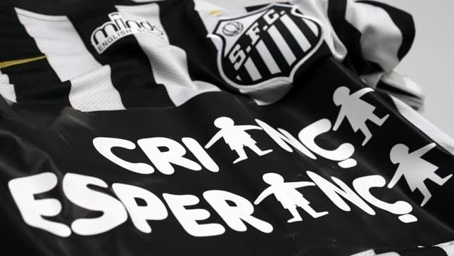 Santos - Camisa - Criança Esperança (Foto: Bruno Giufrida/Divulgação Santos FC)