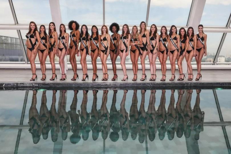 Candidatas à faixa de Miss São Paulo 2018 posam para foto em desfile de biquíni num hotel na Zona Sul de São Paulo (Foto: Fábio Tito/G1)