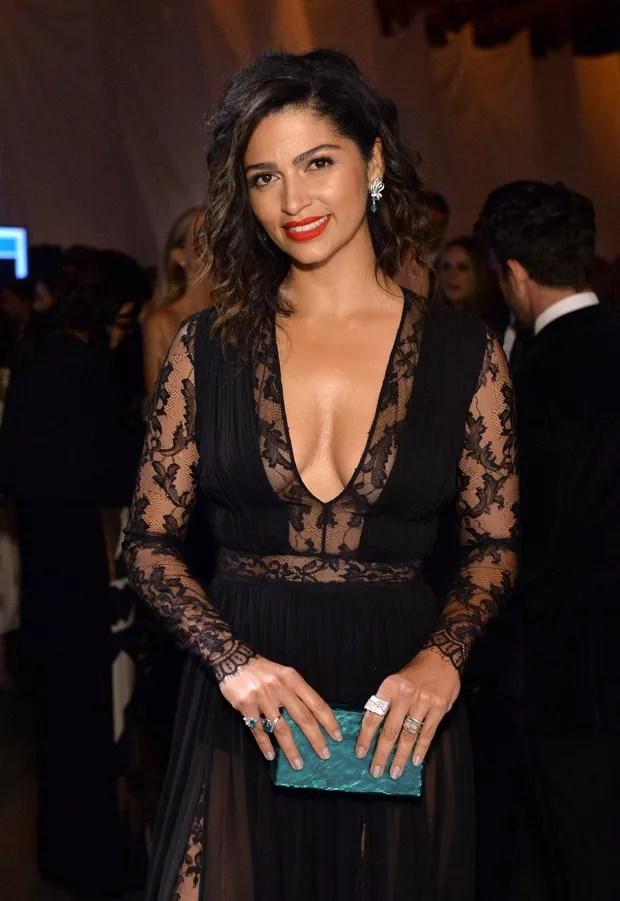 Camila Alves aposta em vestido sexy e rouba a cena em evento com vips (Foto: Getty Image)
