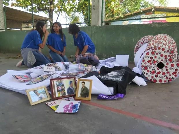 Estudantes fizeram carta de 5km para Luan Santana (Foto: Guilherme Lucio/G1)