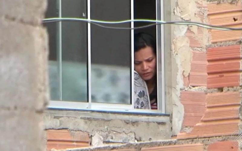 Mulher foi mantida refém pelo ex-marido, em Vitória da Conquista (Foto: Reprodução/ TV Sudoeste)