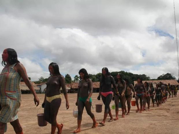 Índios da etnia Xikrin protestam em Marabá pela melhoria das condições de Casa de Saúde do Índio (Foto: Evandro Corrêa/OLiberal)