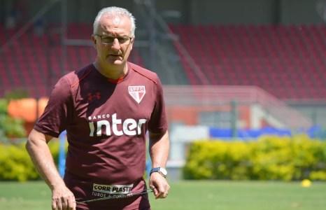 Dorival Júnior tem a missão de evitar o rebaixamento do São Paulo (Foto: Érico Leonan / saopaulofc.net)