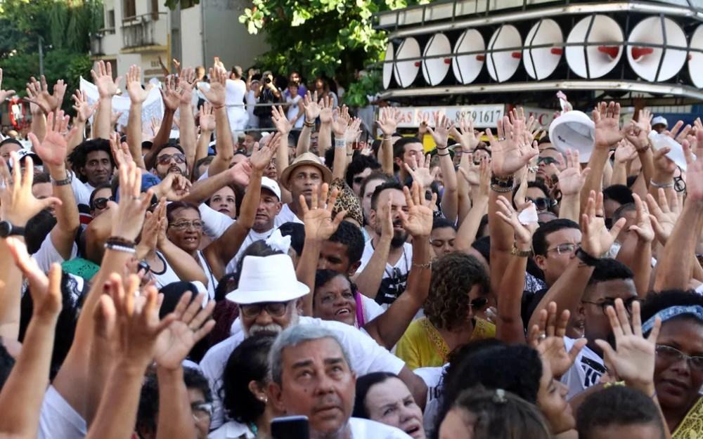 Multidão acompanhou cortejo das Águas de Oxalá em Olinda  — Foto: Marlon Costa/Pernambuco Press