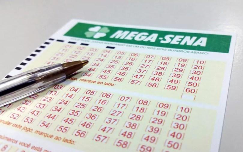 Mega-Sena pode pagar R$ 4,5 milhões neste sábado (6) (Foto: Heloise Hamada / G1)