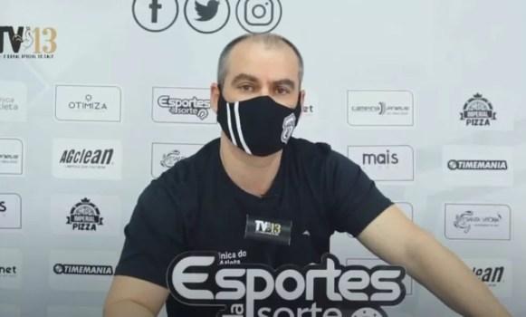 Médico do Galo falou sobre a situação dos atletas em recuperação com Covid-19 — Foto: Reprodução / TV13 Oficial