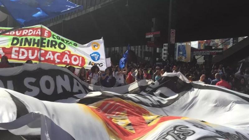 Protesto na Avenida Paulista — Foto: Gabriela Gonçalves/G1