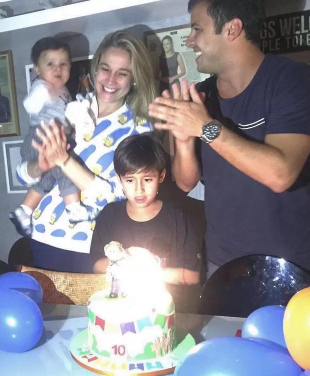 Fernanda Gentil com o filho Gabriel e Matheus Braga (Foto: Reprodução/ Instagram)