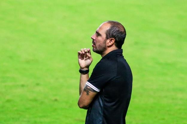 Allan Aal diz que o time errou muitos passes contra o Vasco — Foto: Ailton Cruz/Gazeta de Alagoas