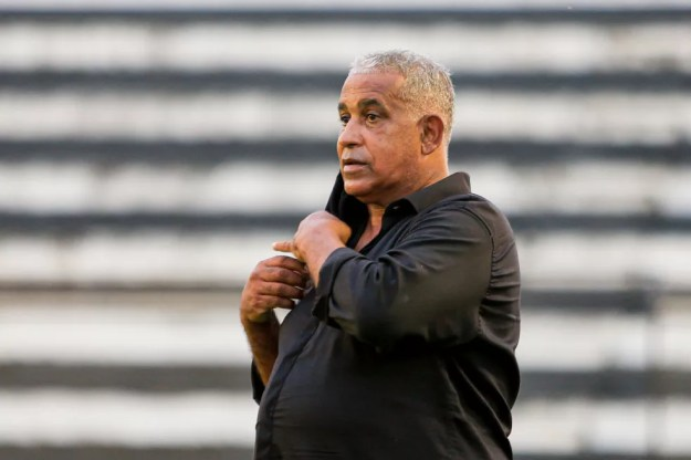 Ademir Fonseca é o treinador do ASA — Foto: Ailton Cruz/Gazeta de Alagoas