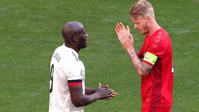 Kjaer e Lukaku: amigos de Eriksen aplaudiram o meia