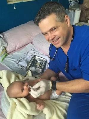 Médico criou empresa especializada em fazer partos de brasileiras nos Estados Unidos  (Foto: Arquivo Pessoal)