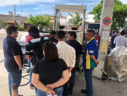 Postos de combustíveis são fiscalizados em Natal  (Foto: Ipem/Divulgação)
