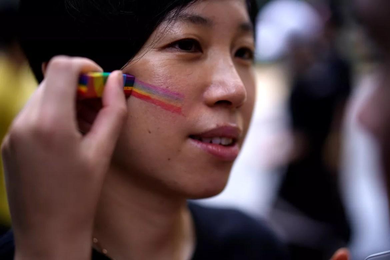 Casais homossexuais se casam por app na China