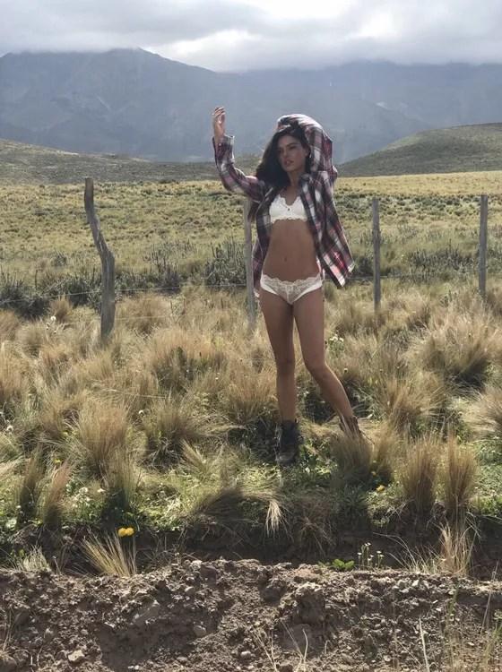 Em ótima forma física, a atriz estrelou a nova campanha da grife Valisere (Foto: Divulgação)