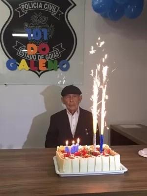 Inspetor Galeno aposentado faz 101 anos e visita delegacia todos os dias, em Goiás (Foto: Divulgação/Polícia Civil)