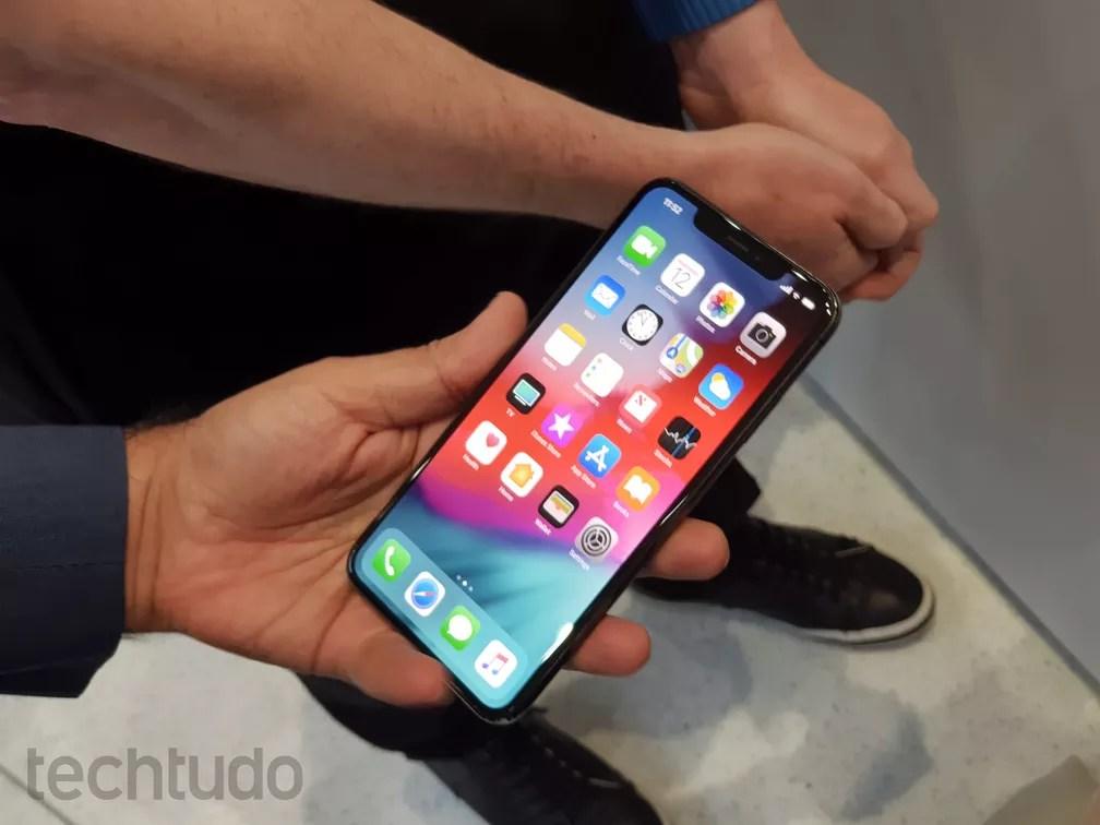 iPhone XS Max tem a maior tela que a Apple já colocou em um smartphone — Foto: Thássius Veloso / TechTudo
