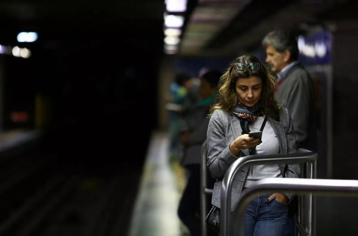 Uso da internet no Brasil cresce, e 70% da população está conectada