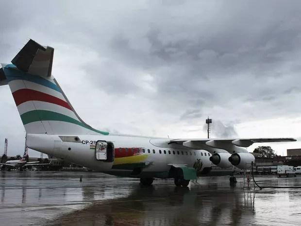 Aeronave que caiu com time da Chapecoense na Colômbia, em imagem de outubro no Aeroporto JK, em Brasília (Foto: Inframerica/Divulgação)