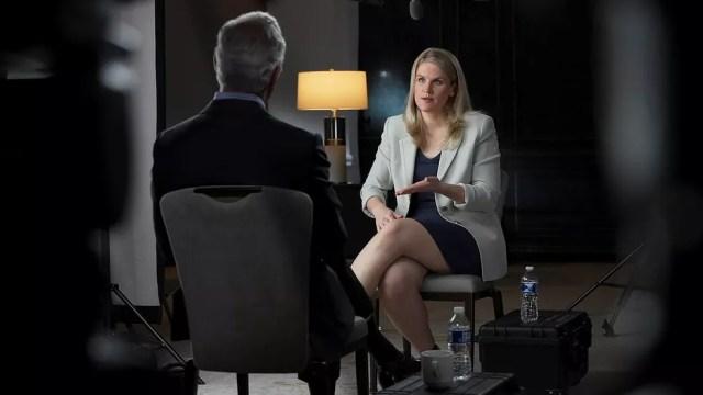 Frances Haugen, ex-funcionária do Facebook, em entrevista à emissora americana CBS News — Foto: CBS News/60MINUTES via REUTERS