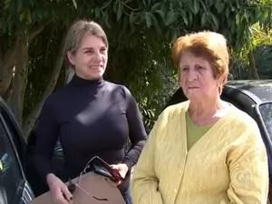 Pacientes que foram atendidos pela mulher estão preocupados (Foto: Reprodução/TV TEM)