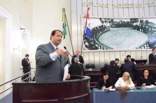 Autor da proposta, deputado Dudu Hollanda afirma que cancelamento de vaquejadas em Alagoas significa perda de empregos (Foto: Assembleia Legislativa/Divulgação)